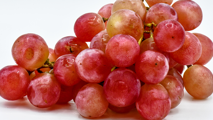 Picture of Extra Large Scarlotta Red Seedless Grapes